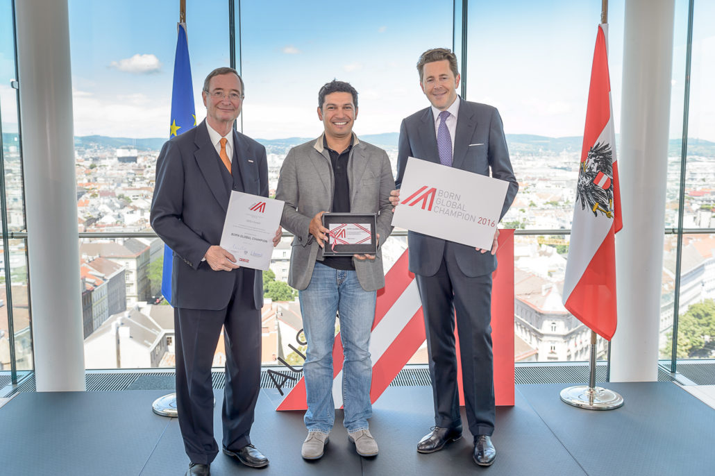 iSEEit has been awarded as Born Global Champion by the Austrian Chamber of Commerce. From left to right: Christoph Leitl, Rizan Flenner, Harald Mahrer